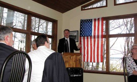 Owens delivers message to Fulton County Dems