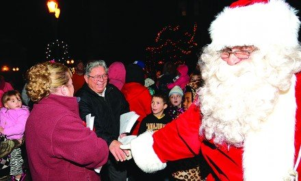 Holiday events bring thousands to downtown