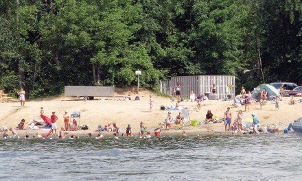 Residents want police presence at town beach